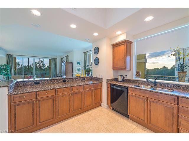2738 Tiburon Blvd E B-405, Naples, FL 34109 (MLS #215063080) :: The New Home Spot, Inc.