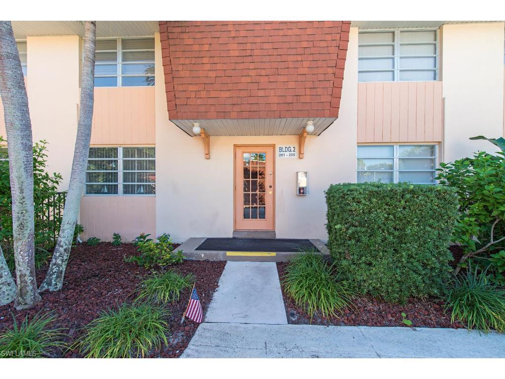 457 Tallwood St #208, Marco Island, FL 34145 (#215063748) :: Homes and Land Brokers, Inc