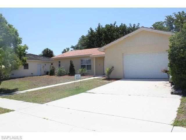 1201 N Collier Blvd, Marco Island, FL 34145 (#215073163) :: Homes and Land Brokers, Inc
