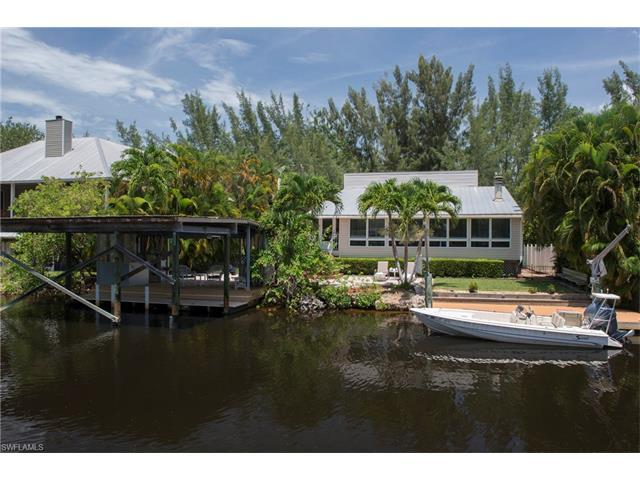 1600 Port Ave, Naples, FL 34104 (MLS #216036653) :: The New Home Spot, Inc.