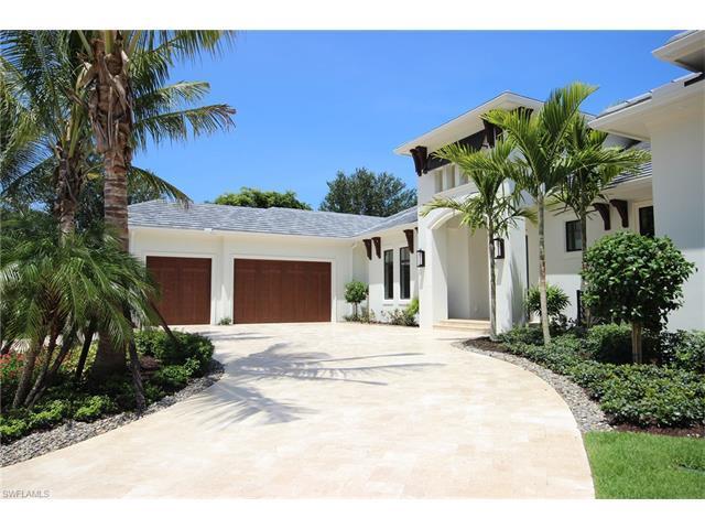 323 Cromwell Ct, Naples, FL 34108 (MLS #216042055) :: The New Home Spot, Inc.