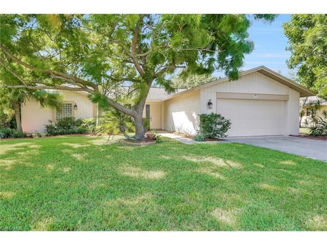 1010 Nottingham Dr, Naples, FL 34109 (#216062789) :: Homes and Land Brokers, Inc