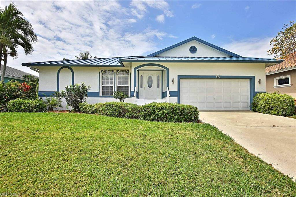 690 Amber Dr - Photo 1
