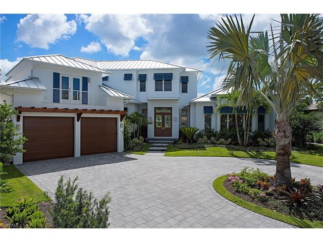 1265 Tuna Ct, Naples, FL 34102 (MLS #216010879) :: The New Home Spot, Inc.