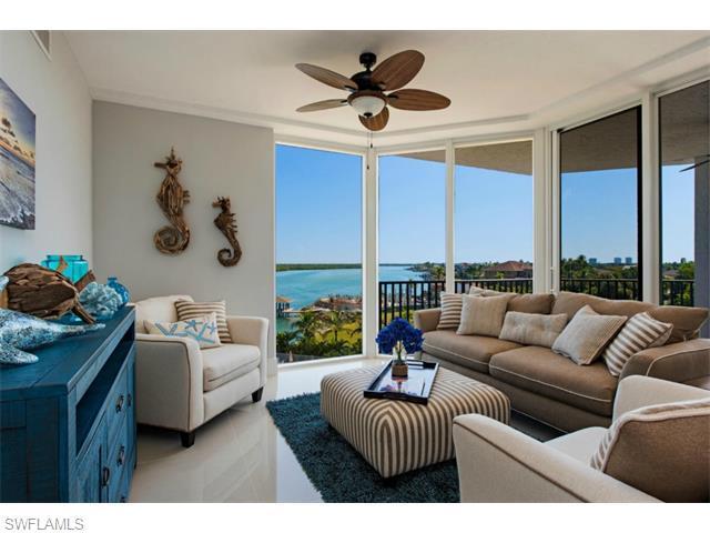 700 La Peninsula Blvd #406, Naples, FL 34113 (MLS #215030393) :: The New Home Spot, Inc.