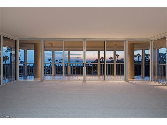 20 Seagate Dr #102, Naples, FL 34103 (#215070944) :: Homes and Land Brokers, Inc