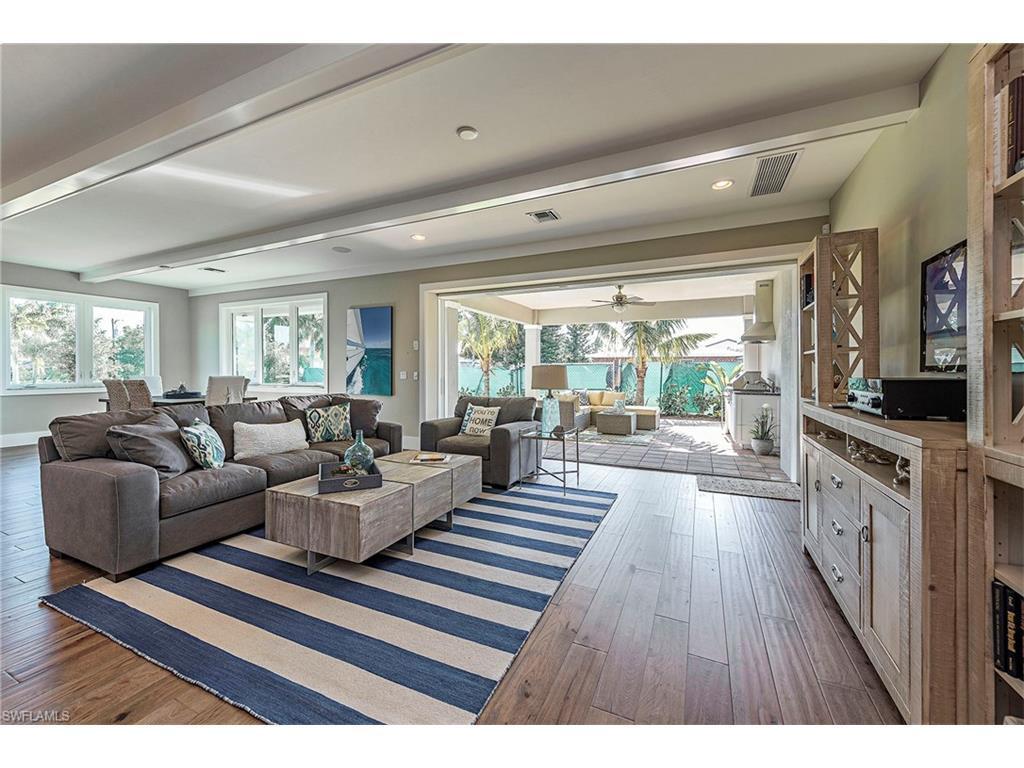 10462 Vanderbilt Dr Unit 1, Naples, FL 34108 (MLS #216013223) :: The New Home Spot, Inc.