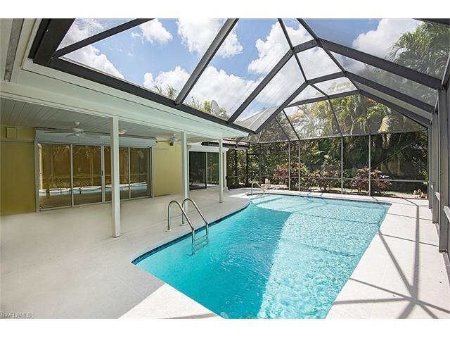 723 Willowhead Dr, Naples, FL 34103 (MLS #216025384) :: The New Home Spot, Inc.