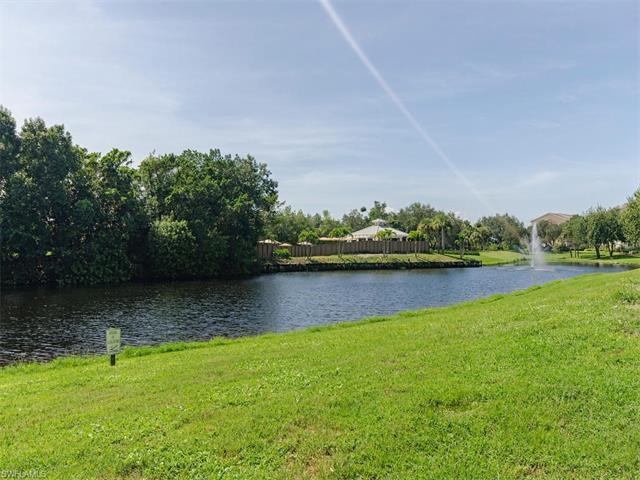 575 Club Side Dr 4-104, Naples, FL 34110 (#216057590) :: Homes and Land Brokers, Inc