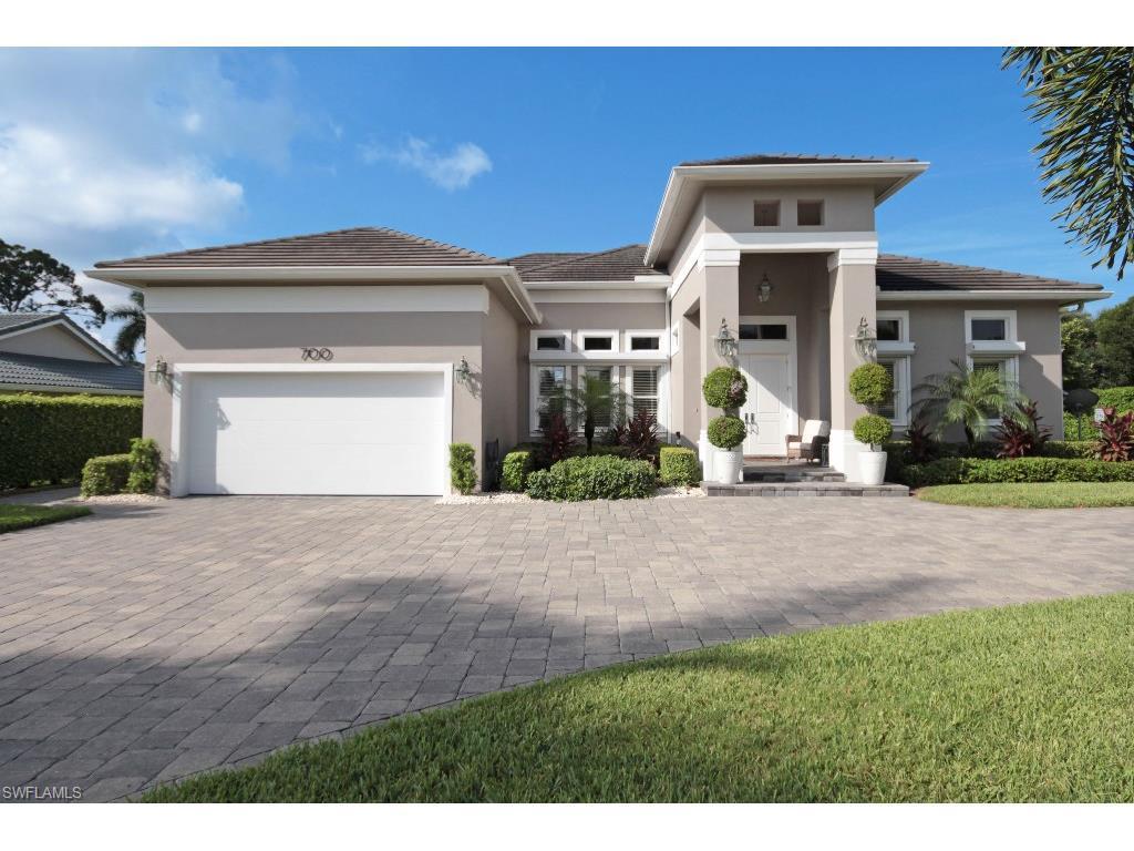 700 Park Shore Dr, Naples, FL 34103 (MLS #216057679) :: The New Home Spot, Inc.