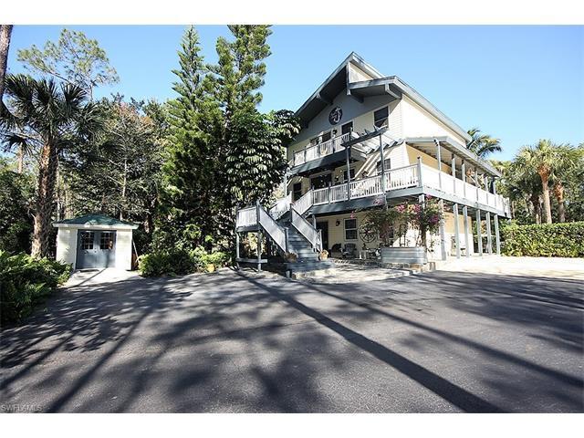 6031 Shady Oaks Ln, Naples, FL 34119 (MLS #217021299) :: The New Home Spot, Inc.