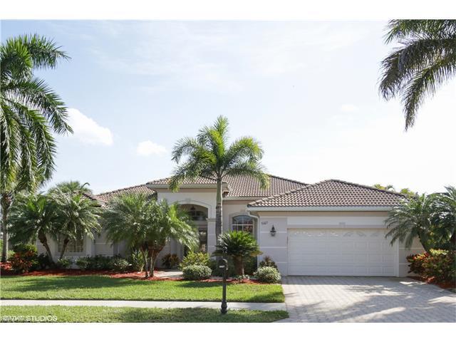 5007 Cerromar Dr, Naples, FL 34112 (#217018672) :: Naples Luxury Real Estate Group, LLC.