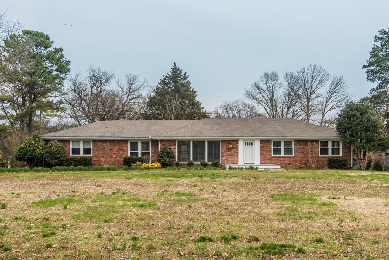 128 Riviera Dr, Hendersonville, TN 37075 (MLS #1812570) :: NashvilleOnTheMove | Benchmark Realty