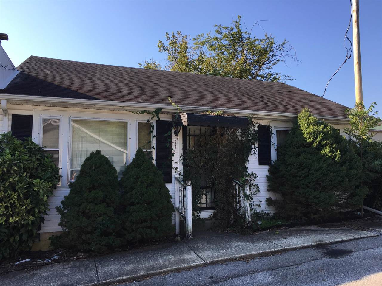 309 E Cox Ave - Photo 1