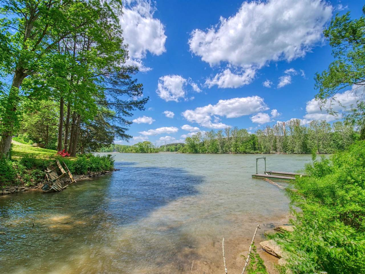 425 Lago Vista - Photo 1