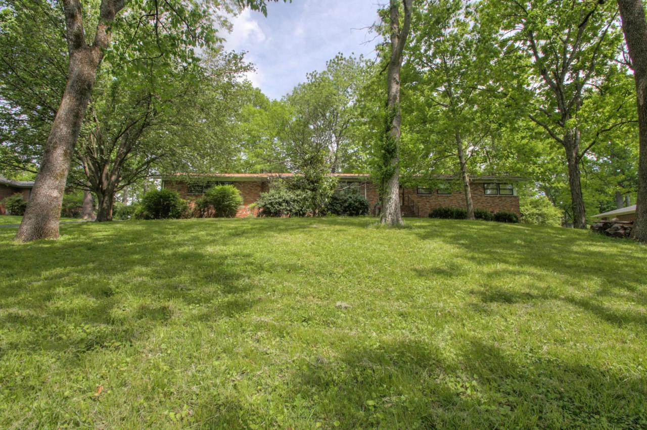 2712 Windemere Dr - Photo 1