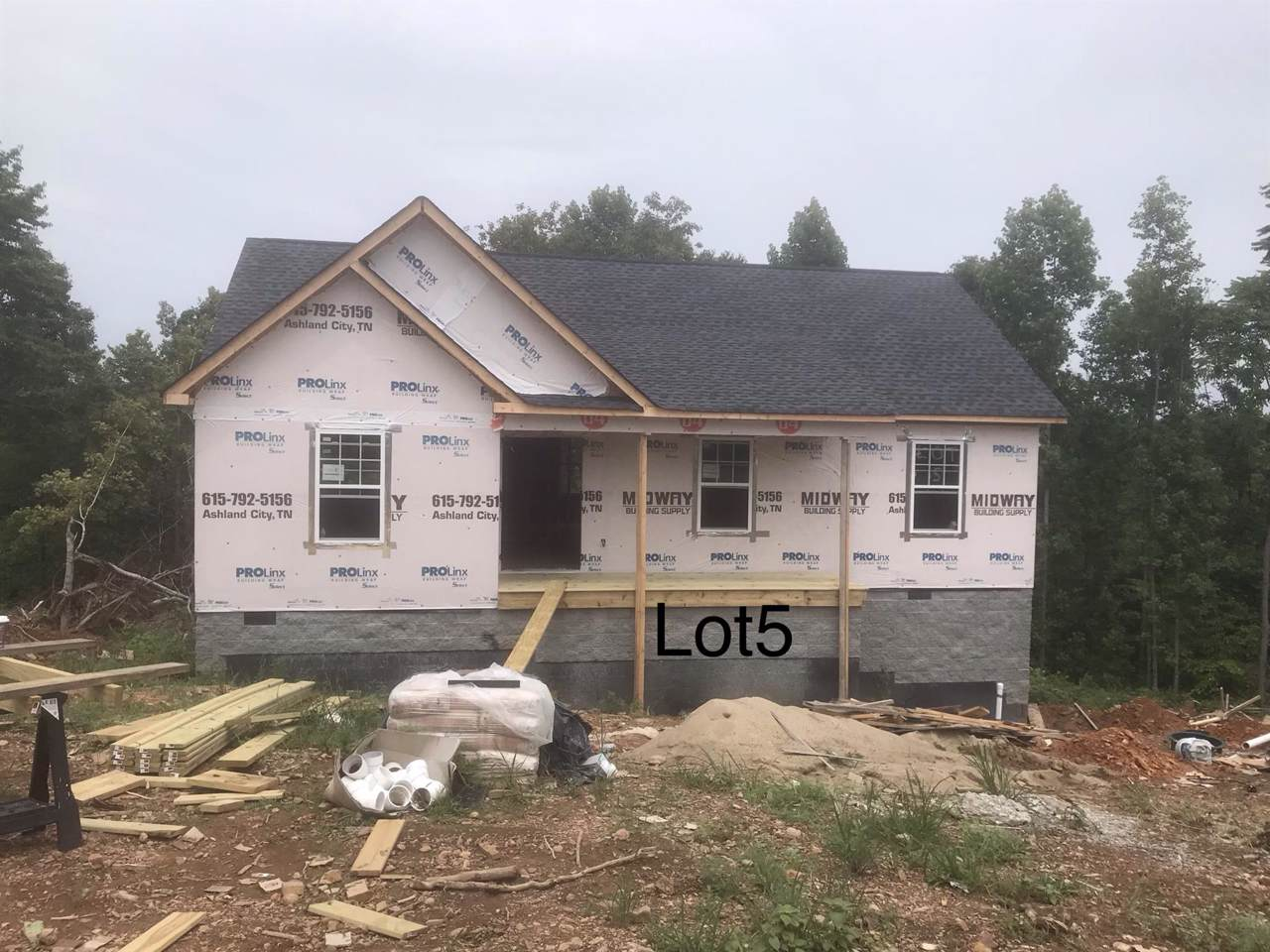 560 Skyview Dr. - Photo 1