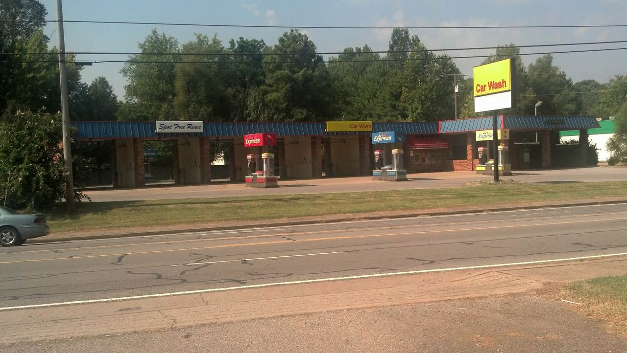 1702 Hwy 41S - Photo 1