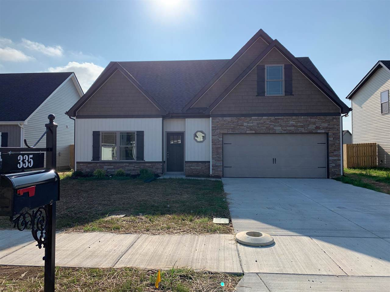 335 Providence Dr - Photo 1