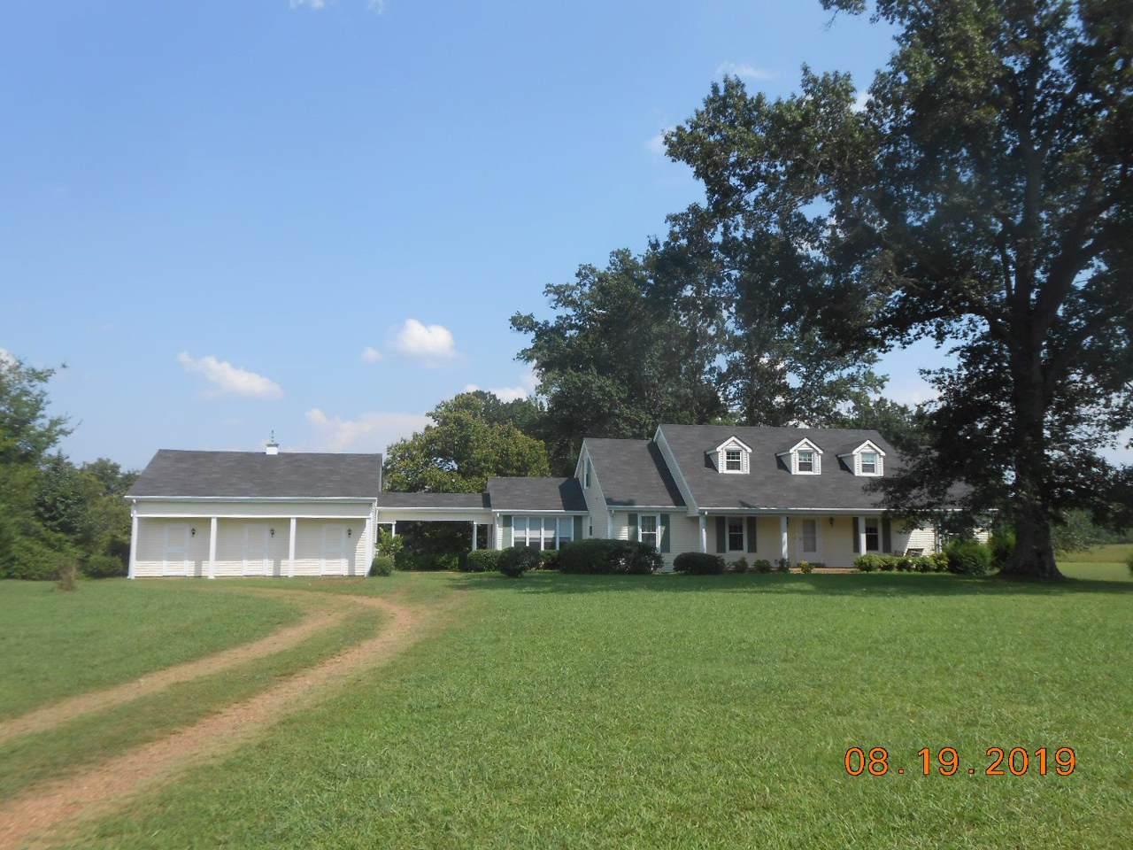 135 Cedar Creek Est - Photo 1