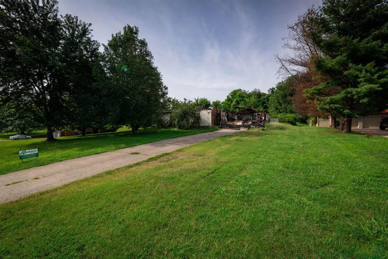 305 Brookview Ct - Photo 1