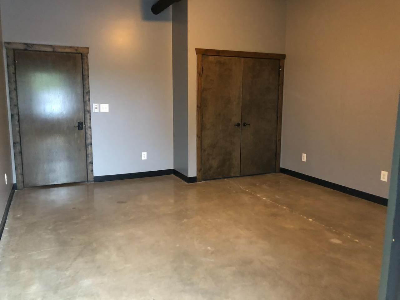 30 Crossland Ave, Suite 103A - Photo 1