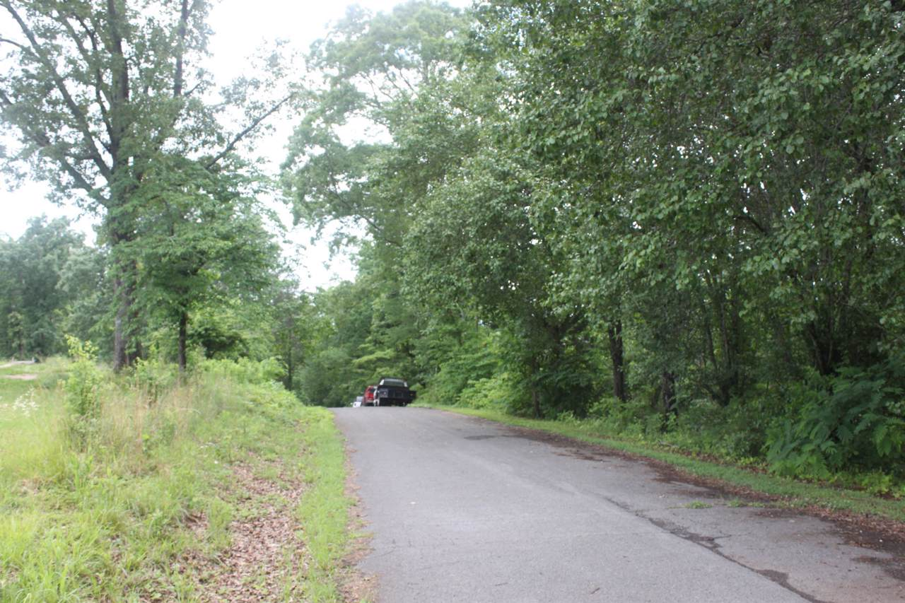 13 Sequoyah Drive - Photo 1