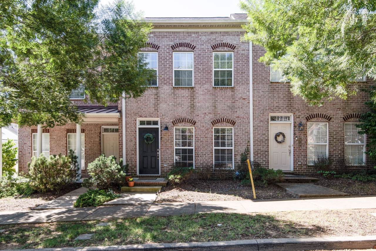 7518 Lords Chapel Dr - Photo 1
