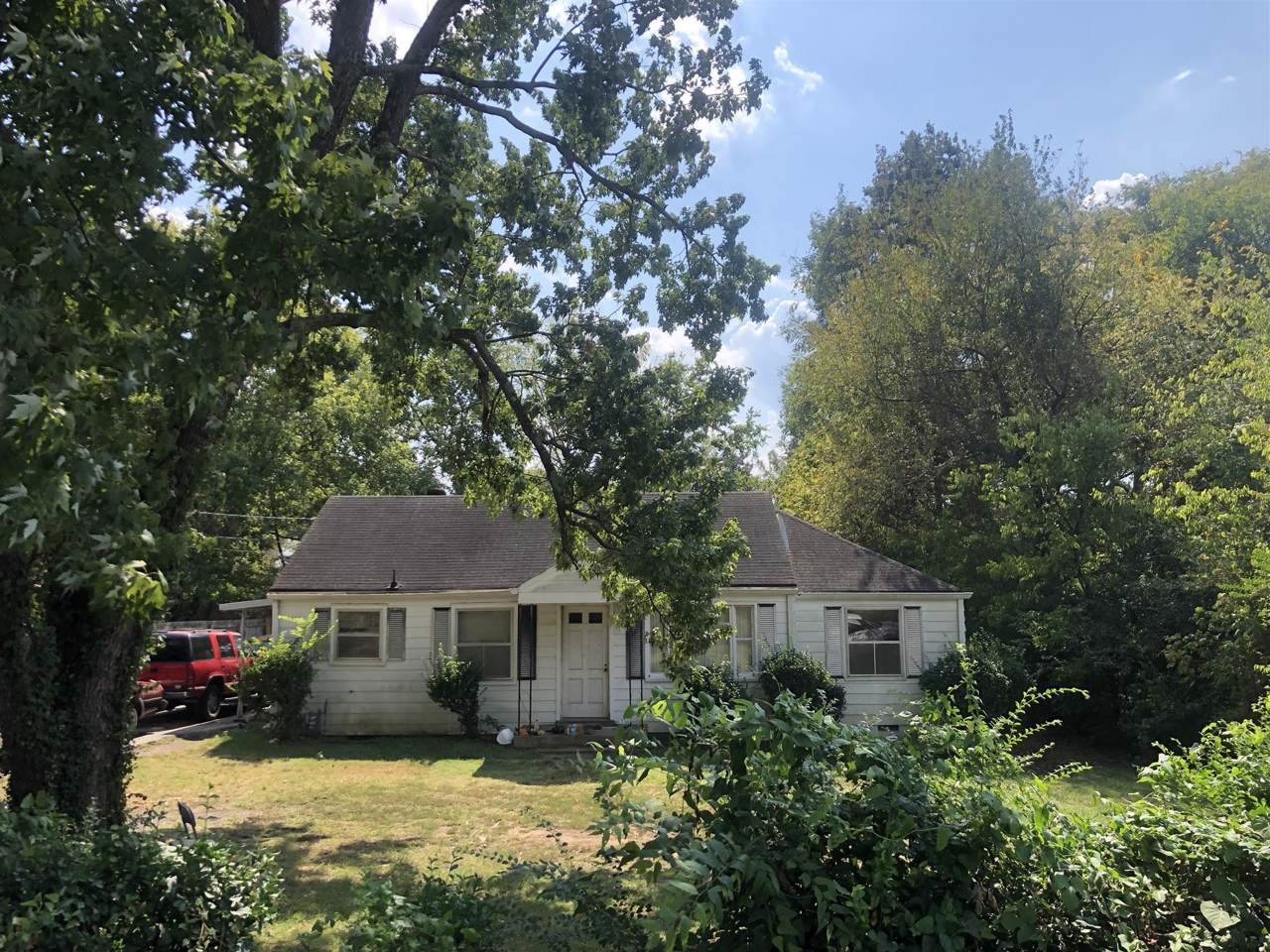 908 Chickasaw Ave - Photo 1