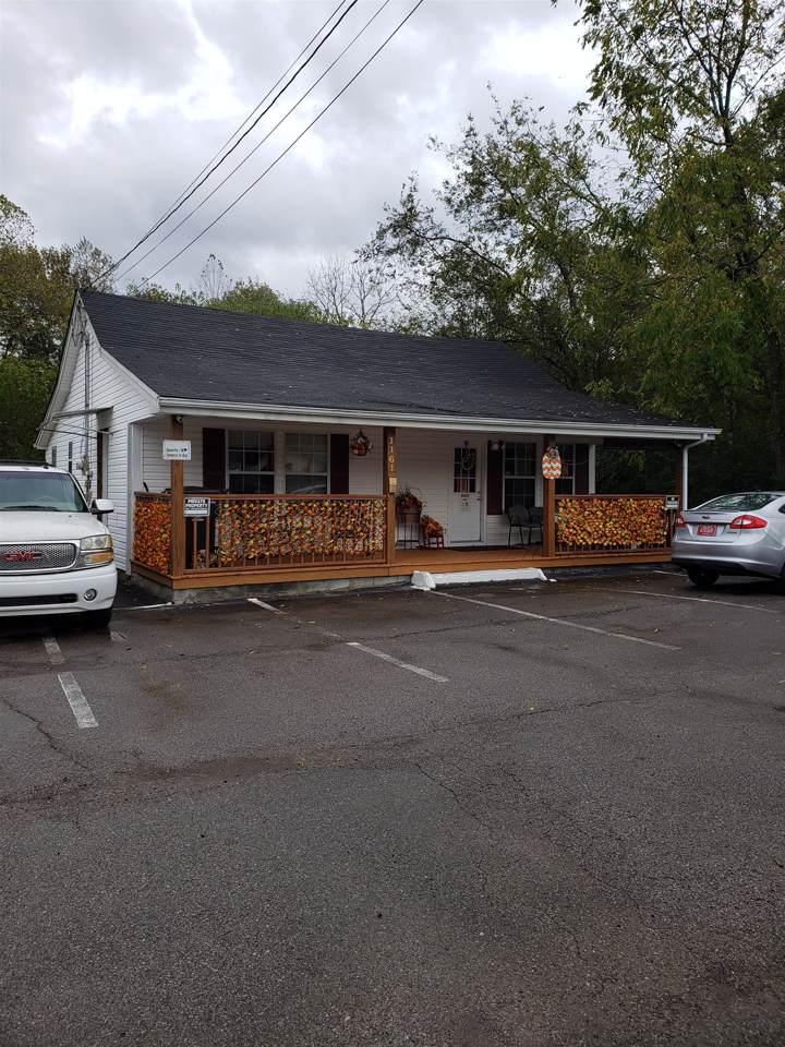 1161 Louisville Hwy - Photo 1