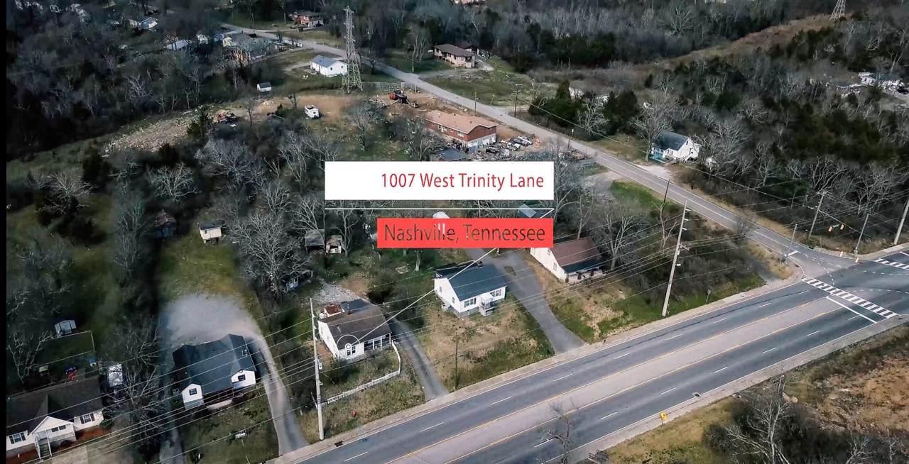 1007 W Trinity Ln - Photo 1