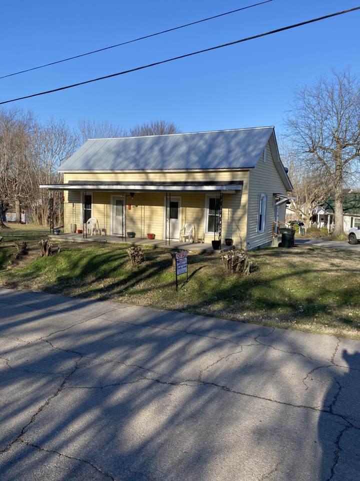 139 Columbia Ave - Photo 1