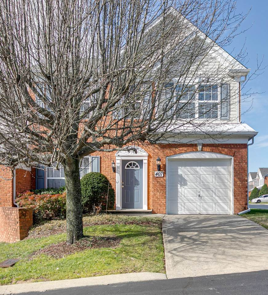 407 Old Towne Dr - Photo 1