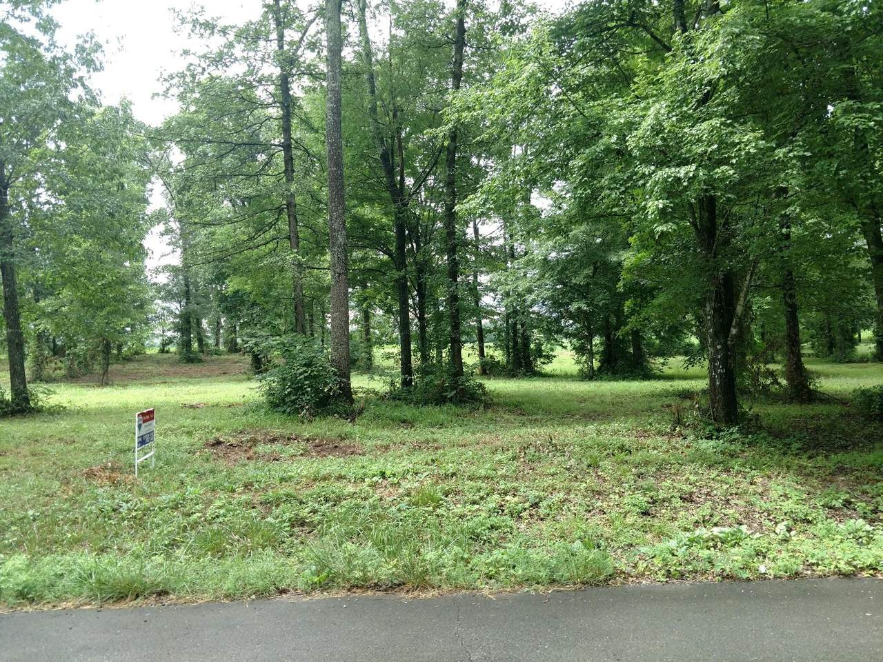 14 Woodland Cir - Photo 1