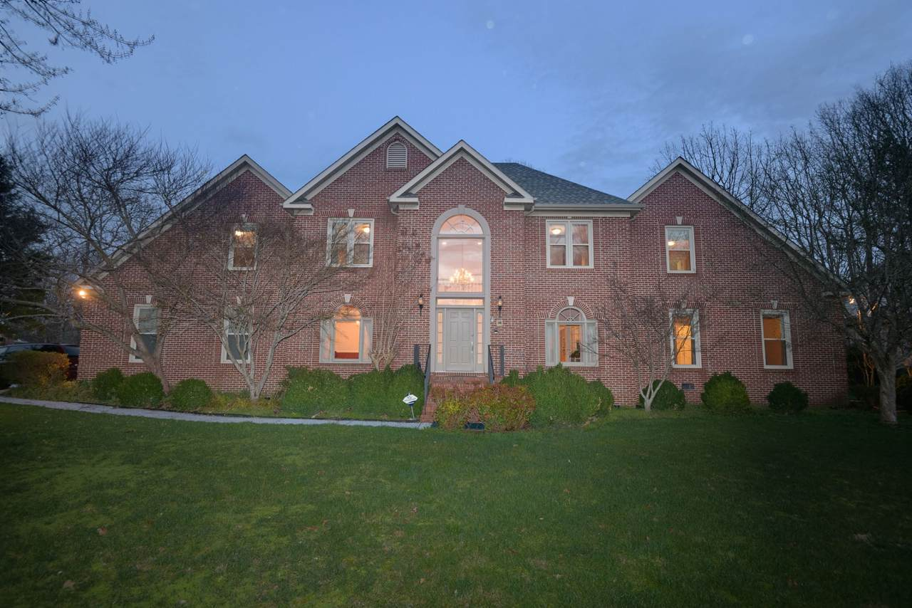 100 Amherst Dr - Photo 1