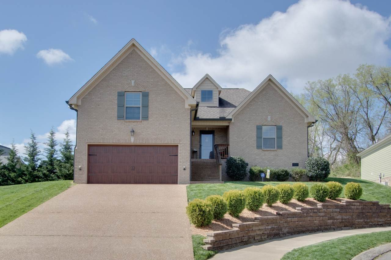 814 Tanager Pl - Photo 1