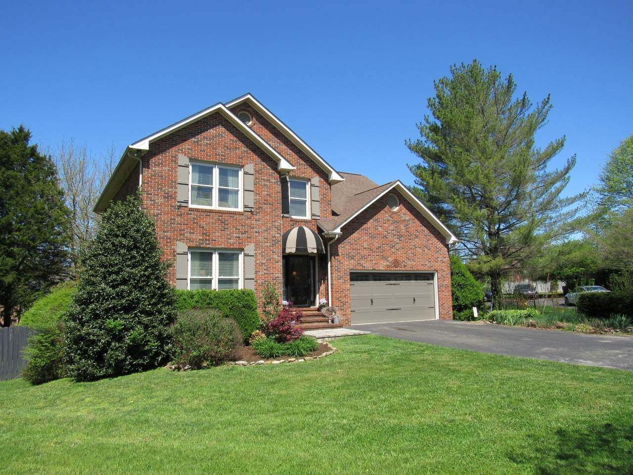 1075 Independence Ct - Photo 1