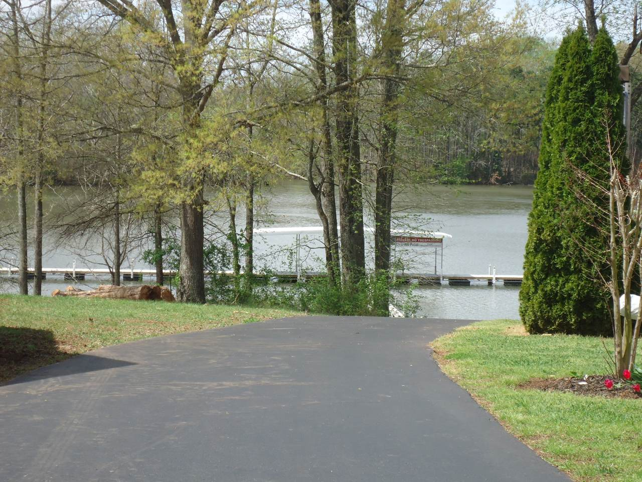 19 Cypress Point Dr - Photo 1