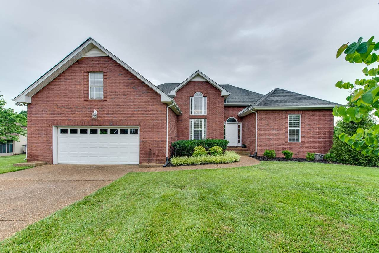 1021 Willow Creek Dr - Photo 1