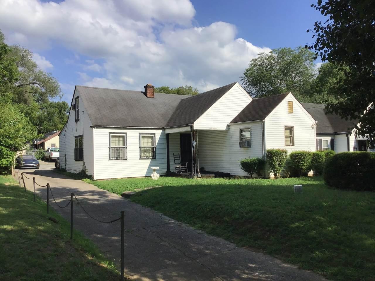 1503 Montgomery Ave - Photo 1