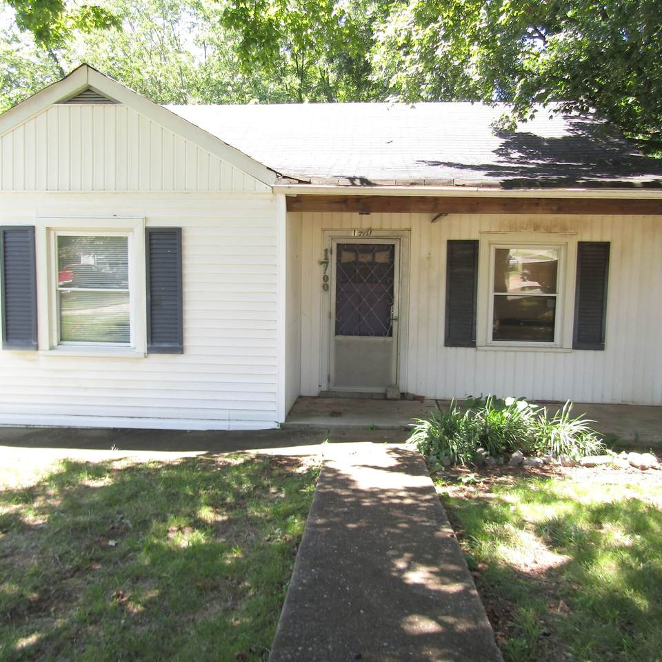 1700 Owen Avenue - Photo 1