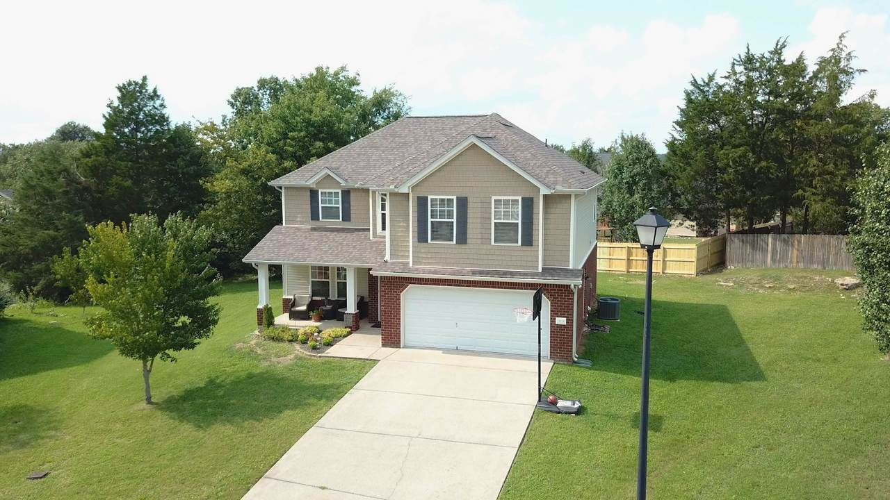 1011 Highpoint Ct - Photo 1