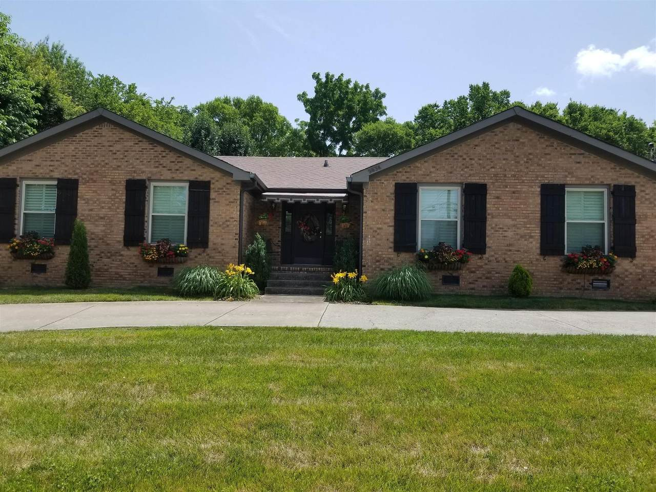 5634 Oakes Dr - Photo 1