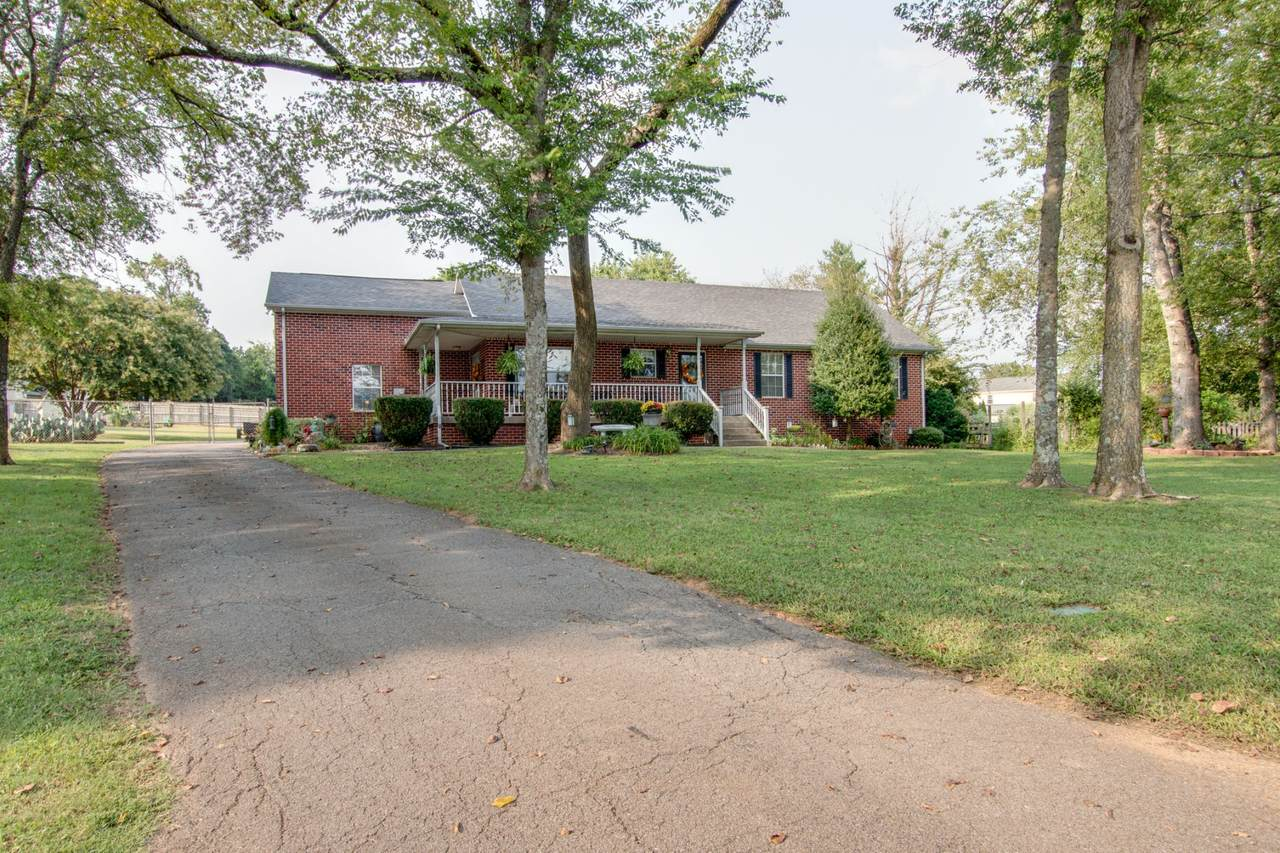 704 Stacey Ct - Photo 1