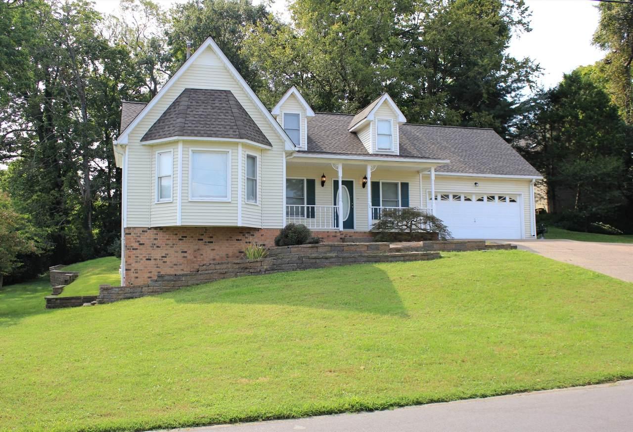 504 Woodland Hills Dr - Photo 1
