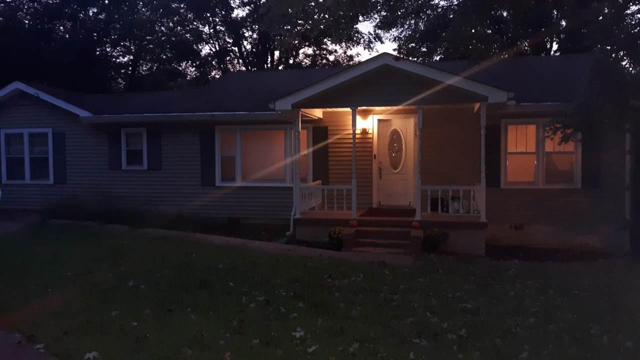 115 Oak Ave - Photo 1