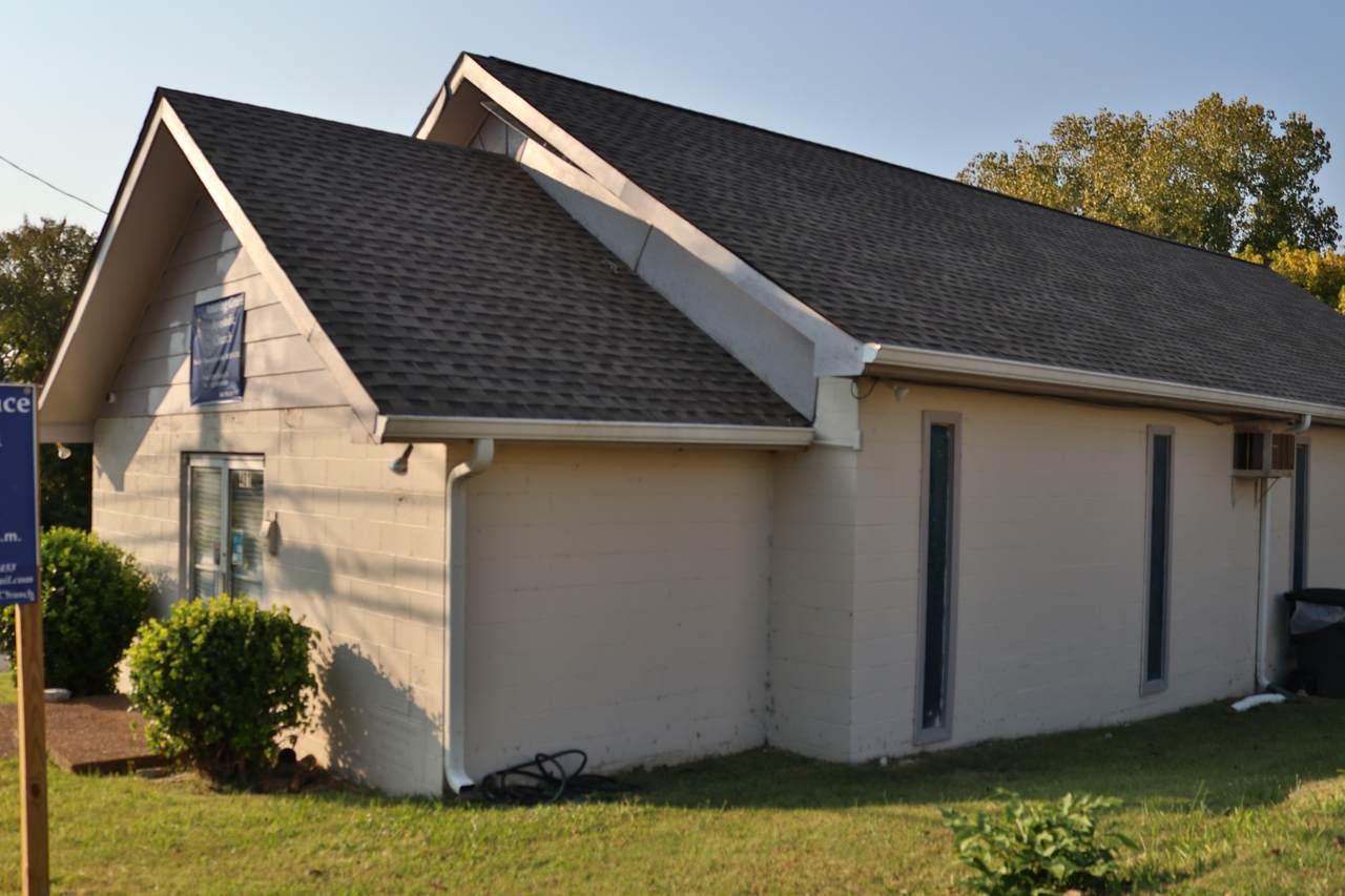 401 E 8th St - Photo 1