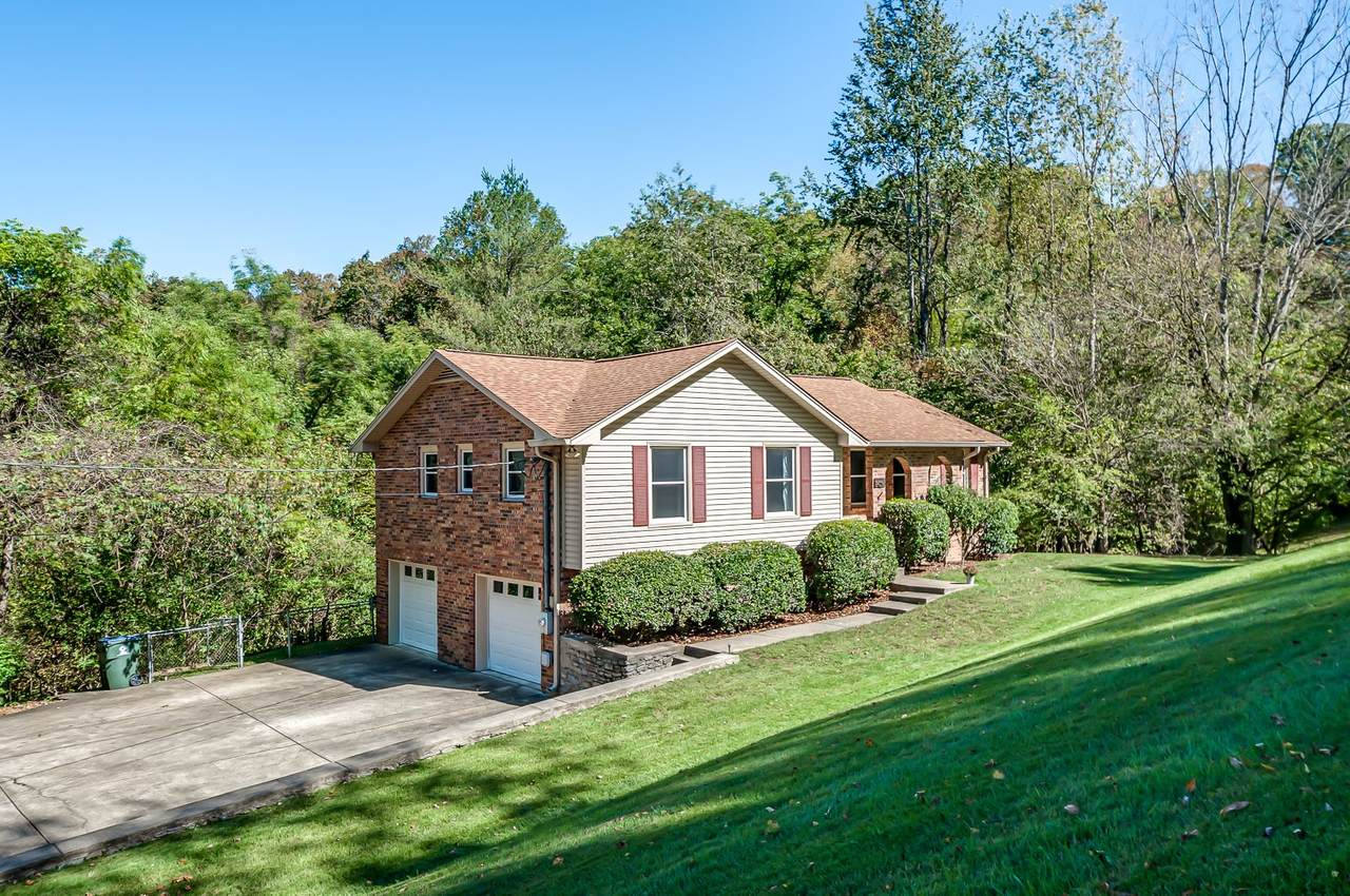 8408 Rolling Hills Dr - Photo 1