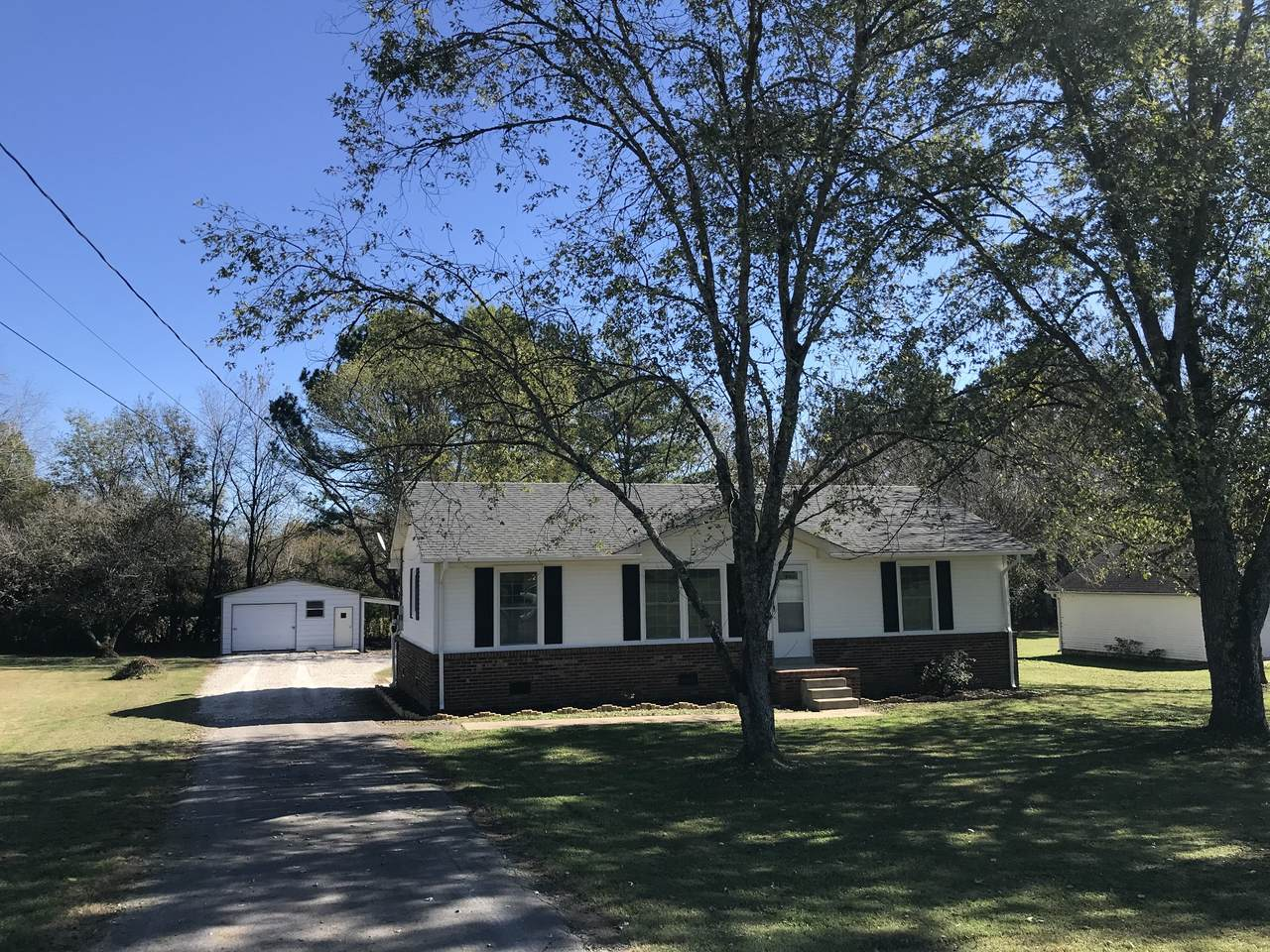 809 Forrest Rd - Photo 1