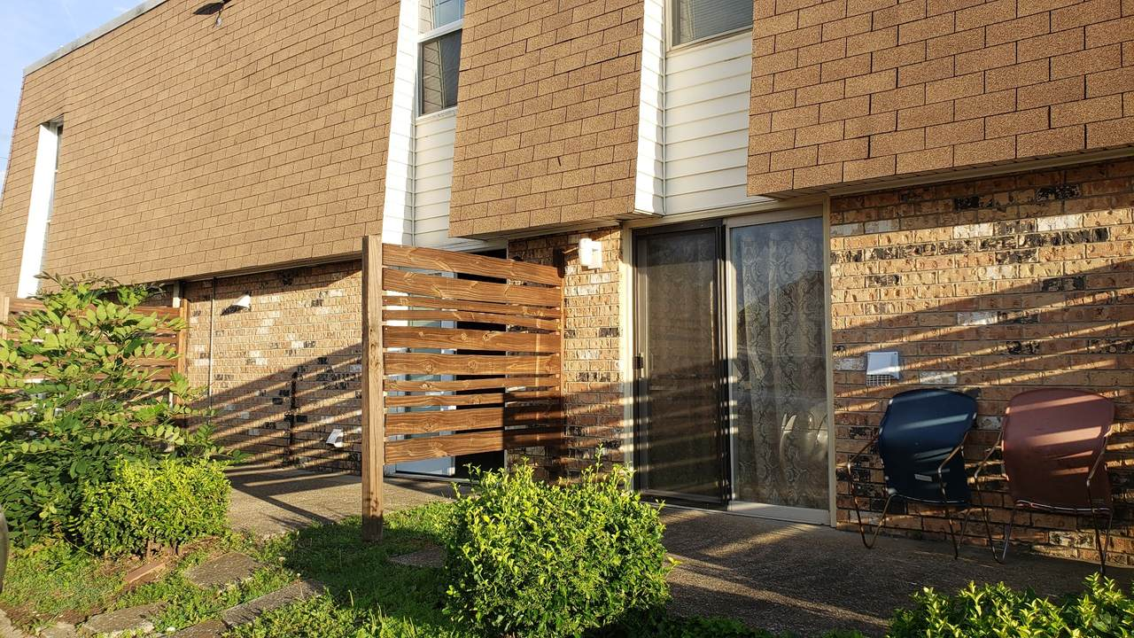 370 Wallace Rd - Photo 1